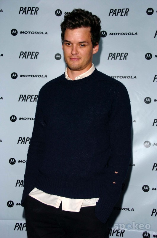 The 37-year old son of father David Nichols and mother Kay Nichols, 190 cm tall Austin Nichols in 2018 photo